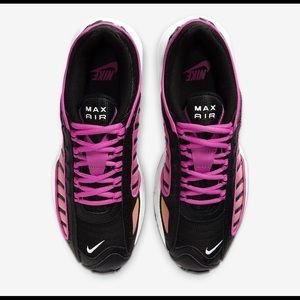 Nike Women's Air Max Tailwind IV Size 8.5